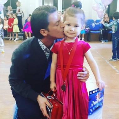 Гела Месхи с дочерью.